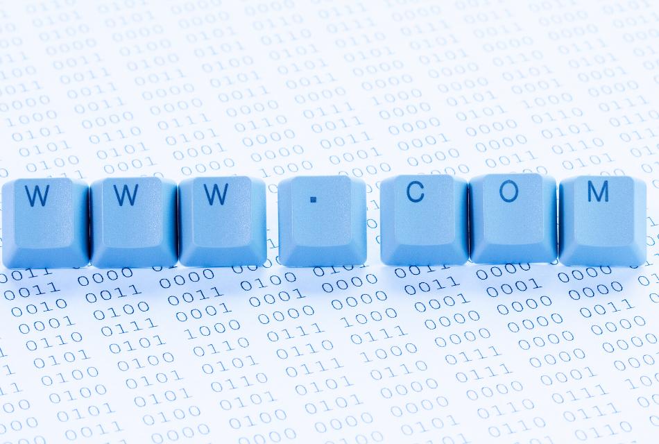 błękitne klawisze z napisem www.com