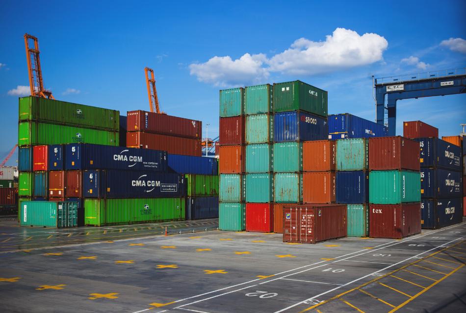 Zarządzanie dostawami produktów i zwrotami w sprzedaży międzynarodowej