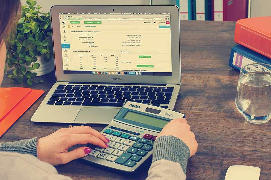 Eksport, wewnątrzwspólnotowa dostawa towarów, a podatek VAT